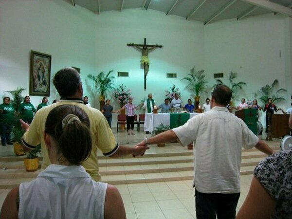 parish_mass_in_mexico_2008